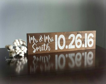 Engagement Photo Sign//Bridal Shower Gift//Save the Date Photo Prop//Wedding Name Sign//Wedding Gift//Rustic Wedding Decor//Engagement Gift
