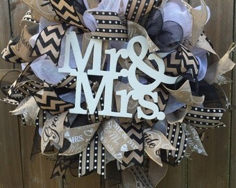 Wedding wreath. Wedding gift. Mr and mrs. Burlap wedding wreath. Wedding shower wreath. wedding decor. Shower gift.