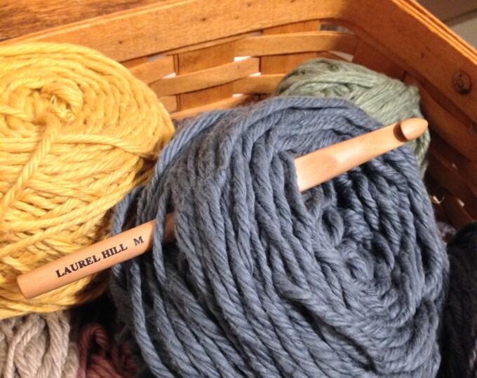 Size M Laurel Hill Trai Wood Crochet Hook - 9 mm Exotic Wood Crochet Hook