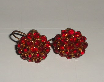 Vintage Red Rhinestone Cluster Earrings Screw Backs*
