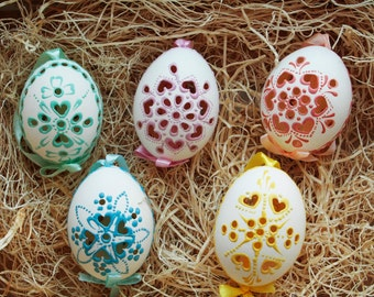 Hand painted Madeira Easter Eggs - Set of 5 Assorted Colors
