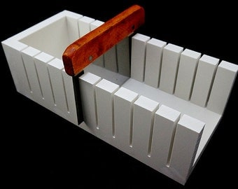 soap cut tray NOT INCLUDING CUTTER -- can choose to cut to  2.5cm or 2cm