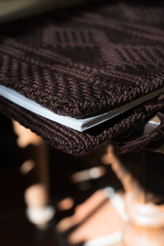 SECRETS - A4 sketchbook with an handknit cover - Pure cotton - chocolate brown