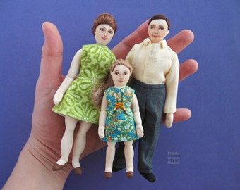 Inch scale cloth doll family dressed in 1960s fashion removable clothing. Miniature cloth dolls 1:12 scale. Plush doll miniature family.