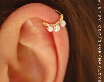 Beaded cartilage earring - Helix hoop - Cartilage piercing - Helix jewelry - Minimal Helix jewelry - pearl hoop earrings - piercing hoop