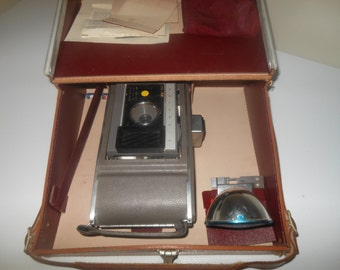 Vintage Polaroid j66, Lot, Camera,camera case, lots of accessories accessories,Retro Land Camera,J66 Camera Collection, Camera is not tested