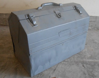 Vintage Large Metal Craftsman Cantilever Style Tool Box Many Compartments Storage