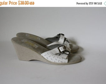 Sale Vintage Sandals / 1970's Sandals / White Leather Sandals / 1970's Rubber Sole Sandals / Strappy Sandals 7