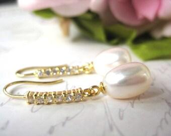 Gold  Bridal Earrings,  Freshwater Pearl Earrings, Drop Pearl Earrings, Ivory Pearl Earrings, Wedding Earrings, Bridal Jewelry, CZ accents