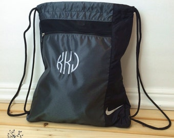 9 Personalized Nike Cinch Bags, Cinch Backpack, Custom Golf Cinch Sack, Groomsmen gift, wedding party gift, Sport sling bag, Cheer bag