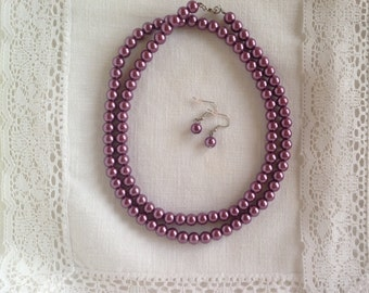 Lavender pearl necklace with earrings / costume jewelry / Mother's Day gift set / purple necklace 30 inches long