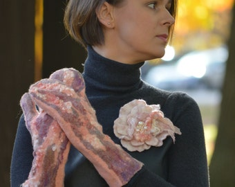 Pink Silk - OAAK wet felt mittens from organic merino wool and silk fibres - soft and warm for winter - ready to ship