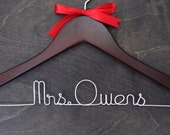 Personalized Wedding Hanger, Bridal Hanger, Wedding Hangers, Mrs Hanger, Name Hanger, Bridal Gift, Bridesmaids Gift, Custom Dress Hanger
