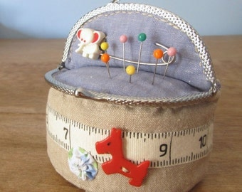 Travel Pincushion PDF Sewing Pattern - Purse Clasp Pincushion
