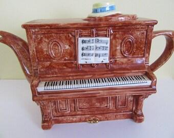 Piano Teapot Swineside / The Teapottery Teapot