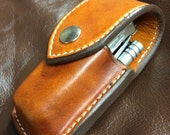 Leatherman sheath with extra pocket