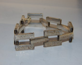 "Vintage Sterling silver 1"" wide link bracelet, with design stamped on front and sides. From Mexico, 7.5"""
