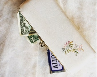 1950's Vintage Darling Ivory Embroidered Wallet
