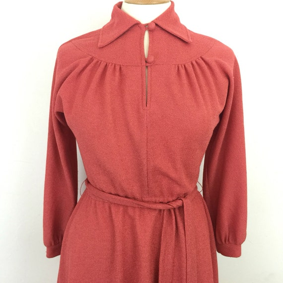 Vintage dress orange coral knit dress 1940s style polyester dress 1970s boho dagger collar UK 12 dolman sleeve elasticated waist