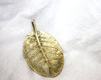 Vintage Virginia Metalcrafters Brass Gloxenia Leaf 1948