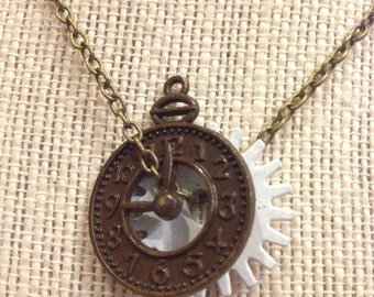 """20"""" Brown&White Clock Pieces Necklace"""