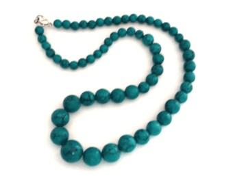 Graduated Green Jade Bead Necklace, Chunky Beaded Necklace, vibrant green jade beads that graduate towards the center