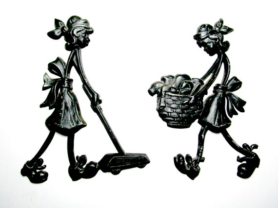 Laundry Room Housework Kitchen Wall Decor Black Metal Woman