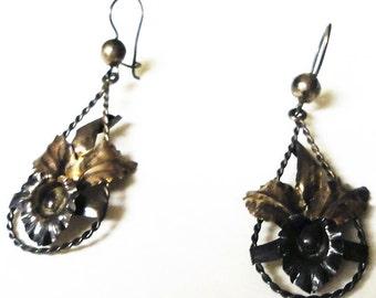 Silver Vintage Ear Wires EArrings 5 Grams Floral DEsign