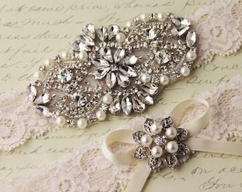 20% OFF BEST SELLER  Wedding garter set, Ivory stretch lace Bridal Garter set, Wedding Garter with Rhinestones and Crystals