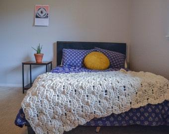 chunky handmade throw blanket crochet catherines wheel stitch cozy shrug blanket wool bed runner