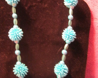 SPIKY BALL NECKLACE-Blue