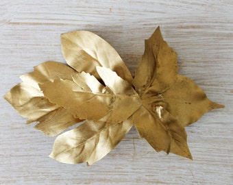 PIN leaves Golden Greek style