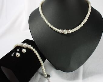 Pearl bridal set in cream