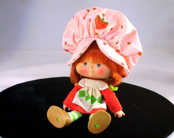 Vintage Strawberry Shortcake Doll Herself Red Hair Vinyl Doll Kenner American Greetings Toy 1980s Hat Attached High Color Face Gifts for Her