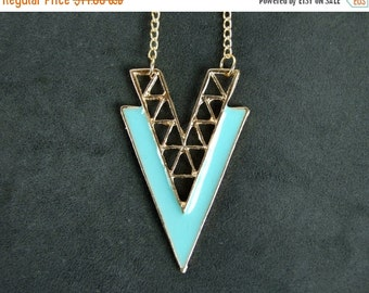 HALF PRICE Gold-mint triangle necklace