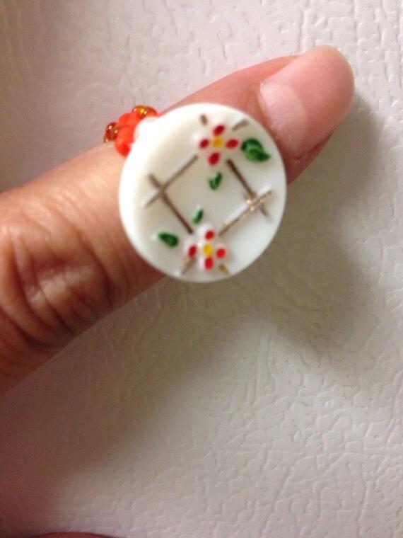 Vintage milk glass flower button knuckle ring