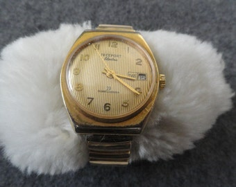 Vintage Wind Up Freeport Electra 23 Quartzzarama Men's Watch with a Stretch Band