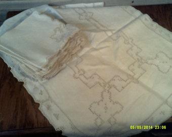Twelve Vintage Cutwork Linen Napkins with Table Runner, Linen Napkins, Tea Napkins, Cutwork Napkin, Vintage Table Linens, Small Linen Napkin