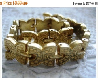 20% OFF FEB SALE Gold C Links Bracelet Uk valentines gift
