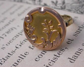 French  antique 18k gold vermeil ring ornate medal ring white crystal 6.5