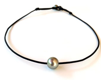 Tahitian pearl, hand rolled and knotted australian leather, men or women choker