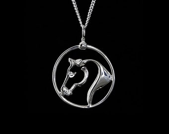 Equestrian Horse Head Circle Necklace, Horse Head Necklace, Horse Head, Equestrian Necklace, Equestrian Jewelry, Horse Jewelry