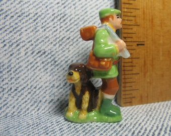 Hunter with Dog, Hunting in the Woods Series  - French Feve Feves Figurines Miniatures V140