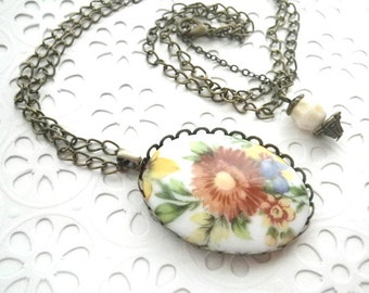 On the Meadow - Necklace Vintage style with Gemme Farmer Flowers
