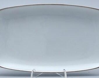 Rosenthal Germany. Large platter / meat plate. Berlin - Friedrichstrasse (4042). White with platinum rim. Hans Theo Baumann. VINTAGE