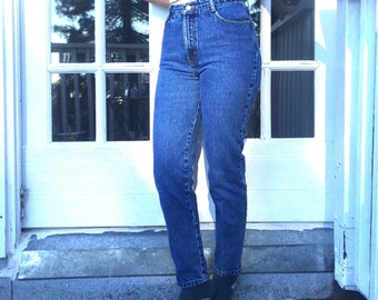 Perfect 90s Blue Jeans