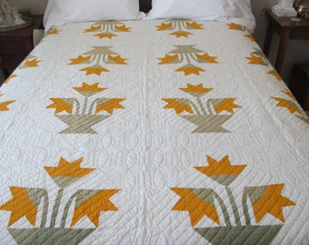 """Beautiful Antique Quilt..Orange Flower with Green Leaves.. 81"""" X 76"""