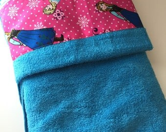 Frozen Sisters Elsa and Anna Hot Pink Print Turquoise Toddler Hooded Bath Towel