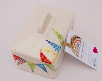 Butter dish, endless summer bunting