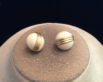 Vintage Off White & Goldtone Half Ball Clip On Earrings